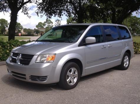 2008 Dodge Grand Caravan SXT passenger minivan under $9000 in Fort Myers, Florida FL