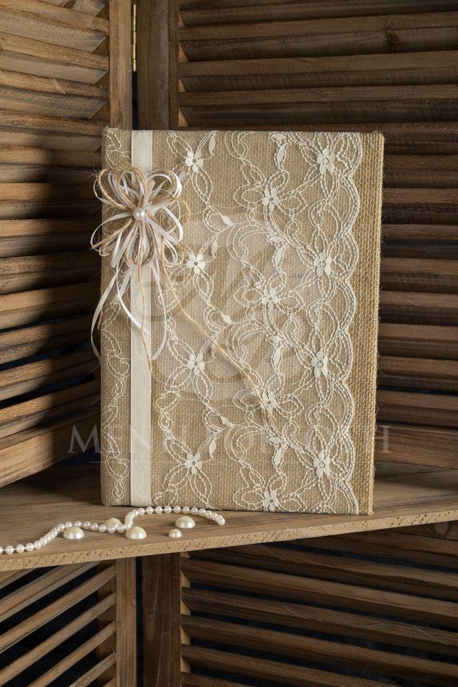 Ευχολόγιο γάμου λινάτσας με δαντέλα και διακοσμητικό λουλούδι