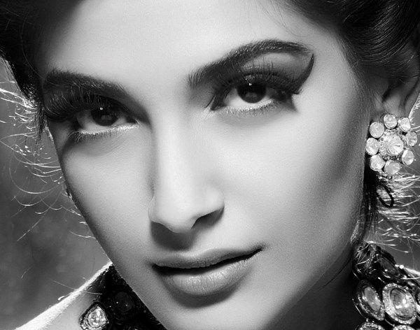 sonam kapoor bollywood vintage look