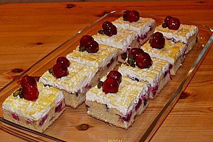 Kirsch - Eierlikör - Blechkuchen mit Schmand - Sahne, ein sehr schönes Rezept aus der Kategorie Kuchen. Bewertungen: 273. Durchschnitt: Ø 4,7.