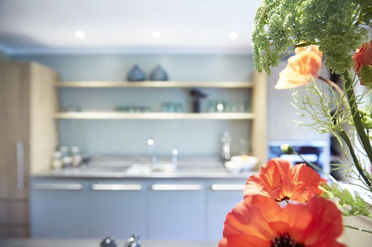 Bloemen in de keuken | Houtwerk Hattem