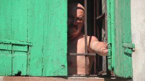 STA ARRIVANDO – TEASER 6 – Gaggina alla finestra #IRAFUNESTA