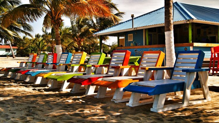 Photo of the Day – Tipsy Tuna Beach Bar, Placencia, Belize  http://beachbarbums.com/2013/11/01/photo-of-the-day-tipsy-tuna-beach-bar-placencia-belize/