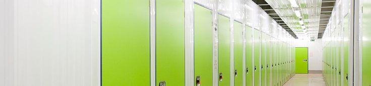 Du willst beim Umzug in einem Container Möbel einlagern? Kosten zu vergleichen macht Sinn, aber was ist mit der Lagerqualität? Was zur Möbellagerung mieten?