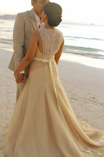 17 best Veluz Reyes images on Pinterest | Wedding frocks, Bridal ...