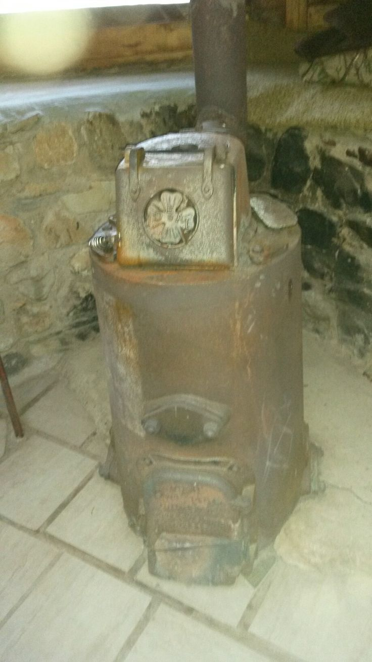 That must be the heaviest cast iron stove in the world. Thick steel.