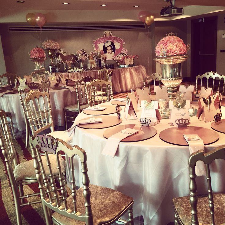 Babyshower party, pink and gold
