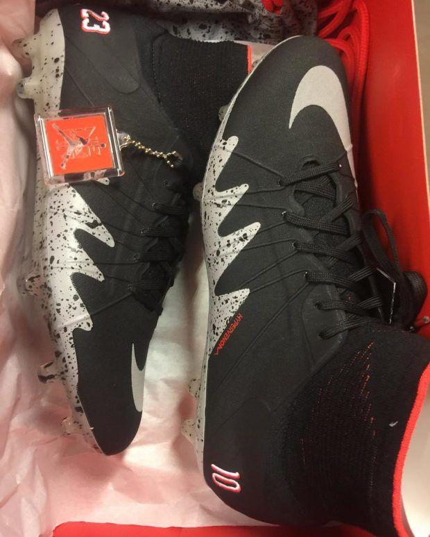 michael jordan shoes nike soccer black
