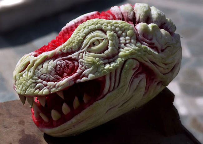 Watermelon carved into a dragon will forever change the way you see this fruit