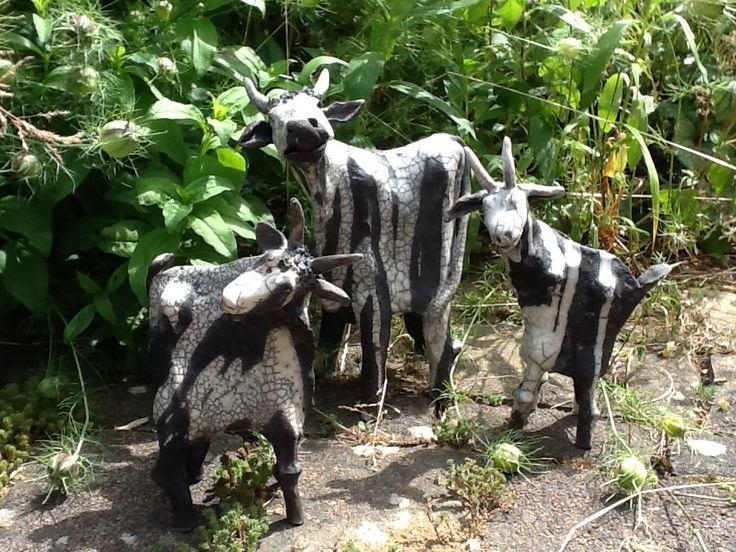 Een koe en twee geiten  Riet van Veenendaal