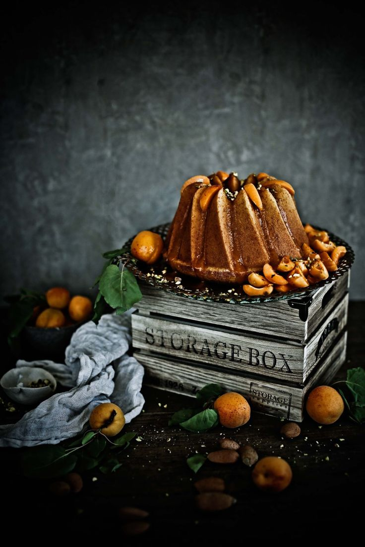 Bolo Bundt de amêndoa e laranja com xarope de alperces # Almond and orange bundt cake with apricot syrup