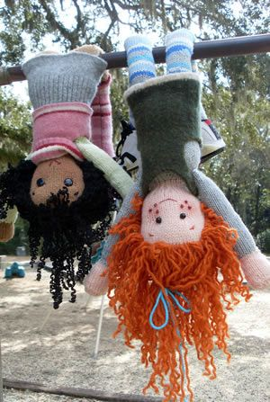 FREE PATTERN: Dolly-Maggie Bean & Friends...love this photo and the dolls hanging upsidedown!