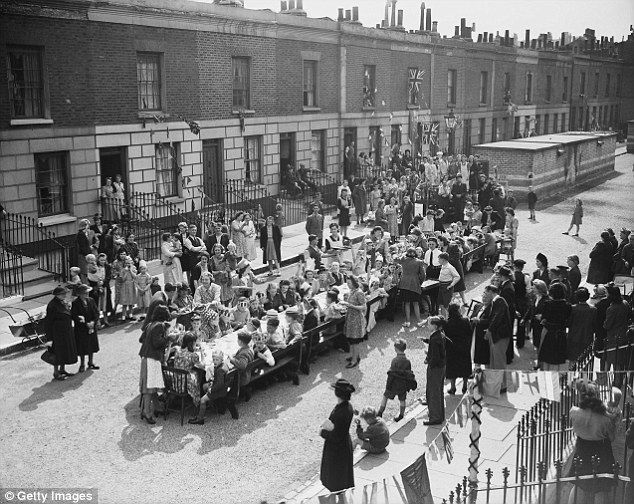 The sun shone on Tilloch Street in Islington, north London, as residents held a…