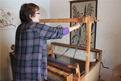 Heidin Iloinen Käsityökulma: Loimen laittaminen kangaspuihin 1/3: Loimen kiertäminen tukille