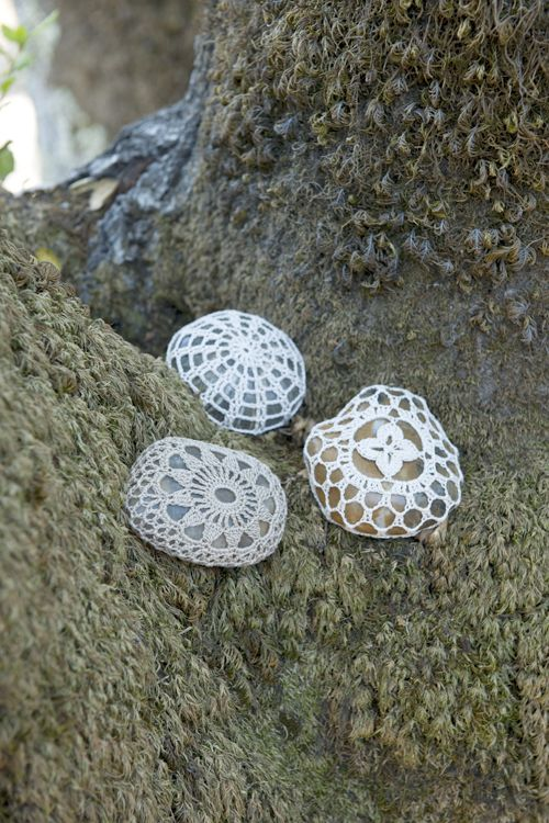 Free PDF pattern. Crochet a rock, stone doily cover. Makes a great inexpensive unique gift. Just modify a doily or motif pattern to fit. Inspiration.