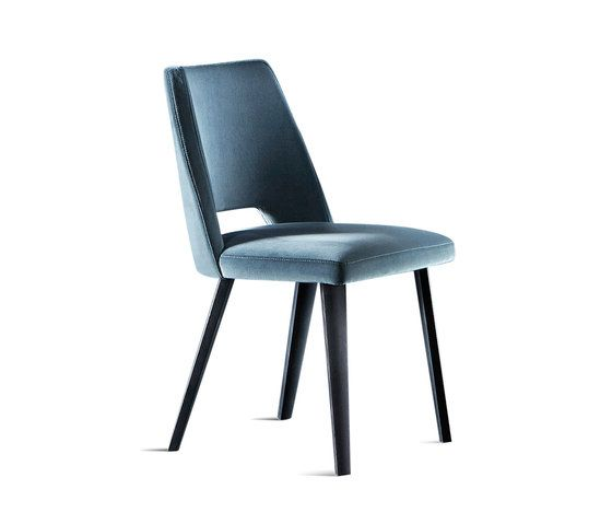 Chair with seat and backrest covered by velvet. Black (mod. Layer) open pore lacquered wooden legs.  50 x 57 x 80h…