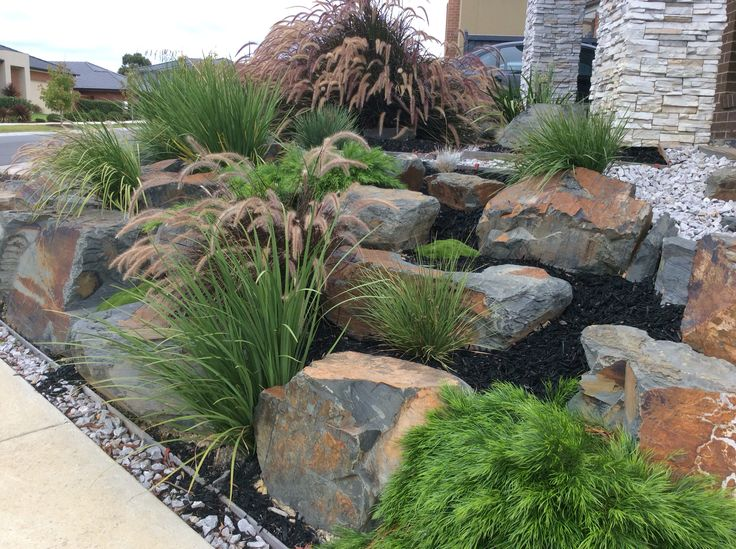 Best 25+ Rockery garden ideas on Pinterest | Succulent ...