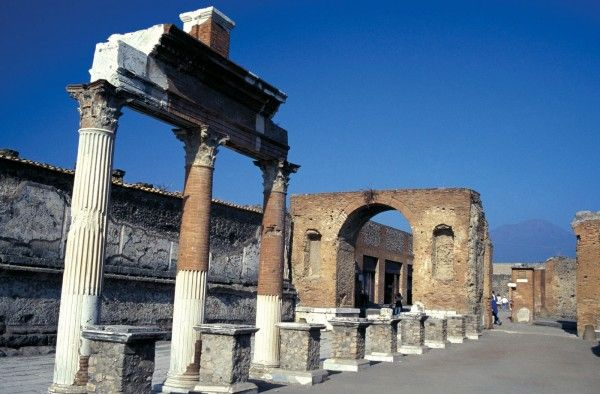 100 most famous landmarks around the world 74 pompeii in for Famous monuments around the world