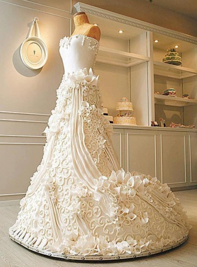 Intricate Replica Of The Bride 39 S Dress In The Form Of A