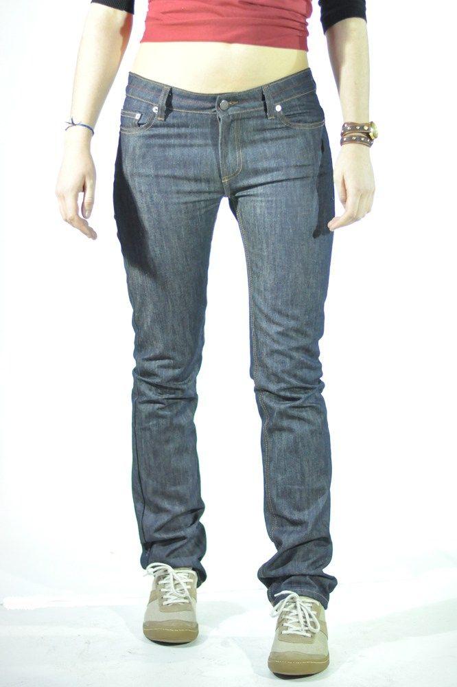 https://sewingtidbits.wordpress.com/2014/05/20/free-pattern-alert-the-french-jeans-edition/