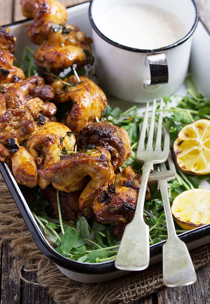Portuguese Chicken Skewers with Yogurt Dip by seasonsandsuppers: Quick, easy and delicious, these Portuguese chicken skewers use always moist chicken thighs, rubbed in Portuguese inspired spices and grilled or broiled. Served with a Coriander Yogurt Sauce. #Chicken #Portugese #Yogurt #Cayenne_Pepper #Smoked_Paprika #Oregano #Healthy
