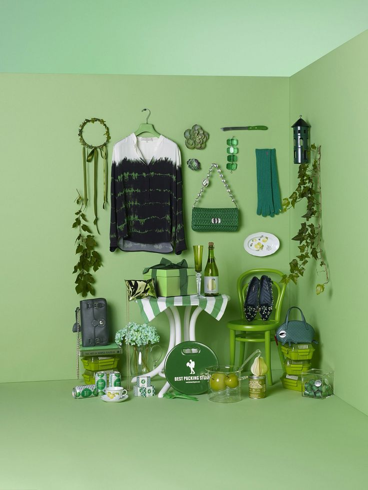 Green styling - VOGUE