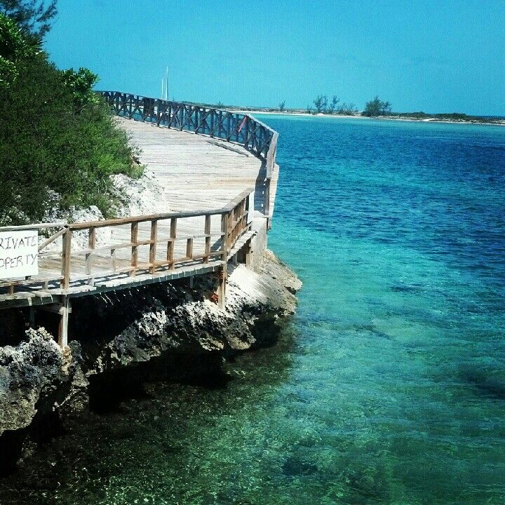 Sandy Toes Rose Island - a fun day trip to make while staying in Nassau Paradise Island, The Bahamas!