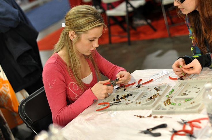 Jewelry making - Visit the Creativ Festival with Maple Leaf Tours