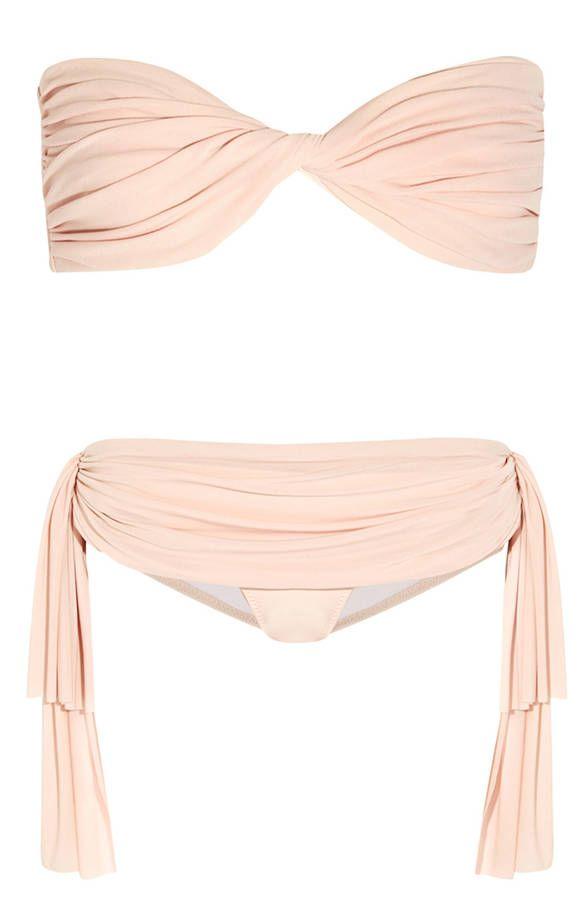 Maillot de bain bandeau deux pièces drapé rose poudré Norma Kamali et tissu pendant sur le coté
