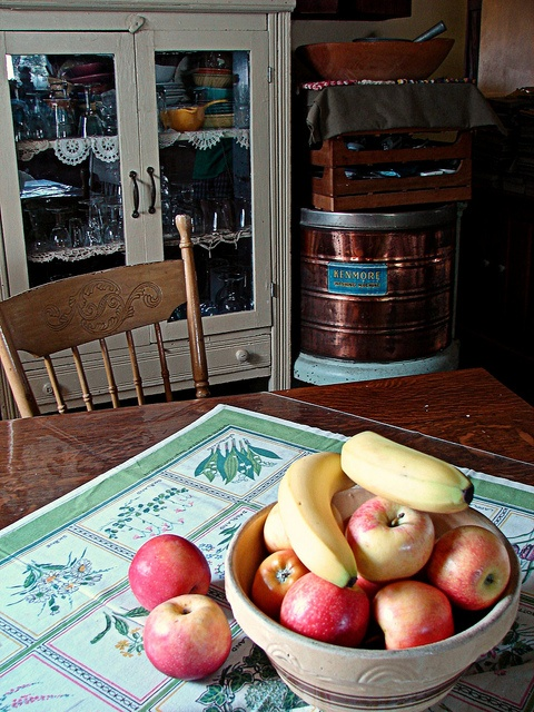 apples and pie safe