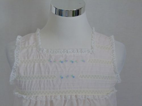 Vintage-Barbizon-NIGHTGOWN-Sleeveless-Floral-Lace-Ruffles-40-Long-Cotton-Blend