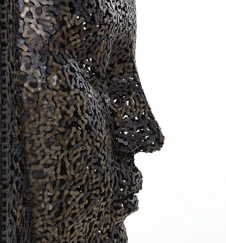 'bicycle chain sculptures' by seo young deok.