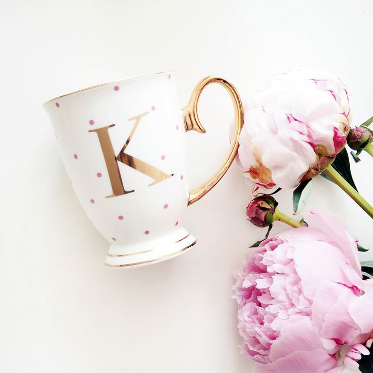 Our monogrammed mugs by Bombay Duck feature a distinctive gold handle and colourful polka dots. Complete in a pretty pink gift box, our mugs make a fabulous gift.