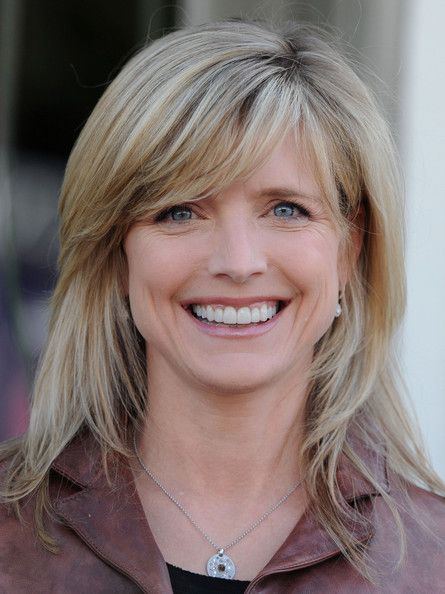 Courtney Thorne-Smith Medium Straight Cut with Bangs - Courtney's layered cut was styled straight with side swept bangs for the John Varvatos 7th Annual Stuart House Benefit in LA.