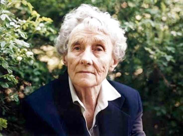 Хто забороняє бабусям лазити по деревах. Астрід Ліндгрен писала для дітей і залишалася дитиною до старості #WZ #Львів #Lviv #Новини #Життя_і_жінка
