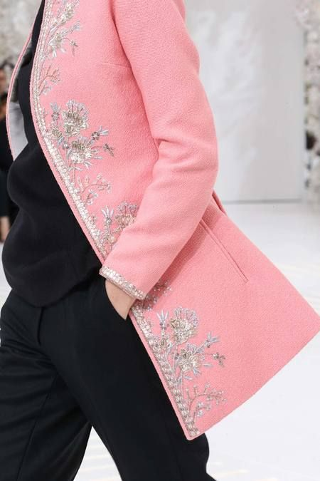 FALL 2014 COUTURE Christian Diorr a lovely long coat for deities with silver embroidery