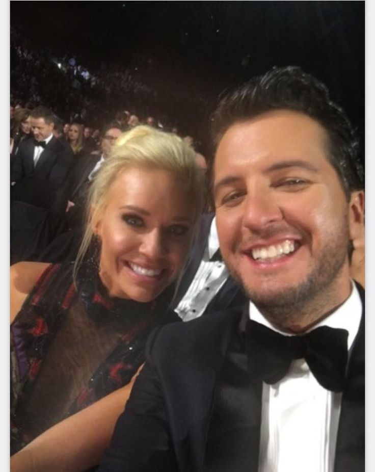 Luke & Caroline Bryan - 50th CMA's Awards 11/02/16