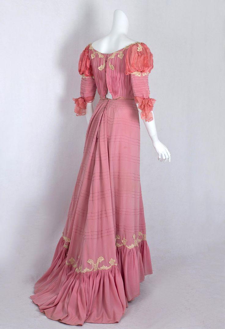 1902 Edwardian Clothing at Vintage Textile: #1411 belle Epoque gown