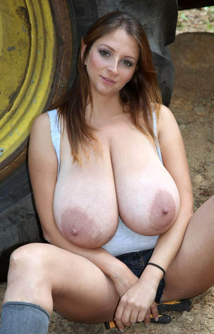 amateur-natural-huge-breasts-gallery-hot