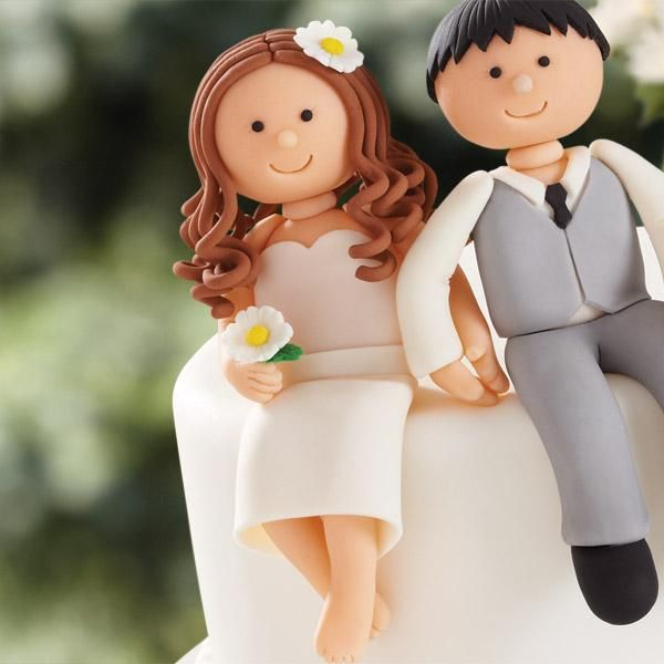Country Bride   How to make 3-D characters for cake toppers  #wedding #decorating #caketopper