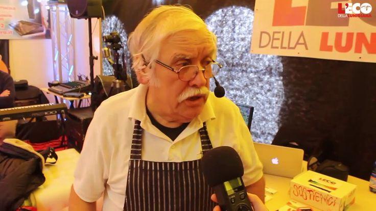 """Arriviamo per cena con la nostra #intervista allo #chef Achille Franco Lanata, il paninaro e grande showman ligure, in arte """"Biscotto"""", che a #Expo ci ha intrattenuto e deliziato fra panini d'autore e risate di gusto.  #expolunigiana2016 #showcooking"""