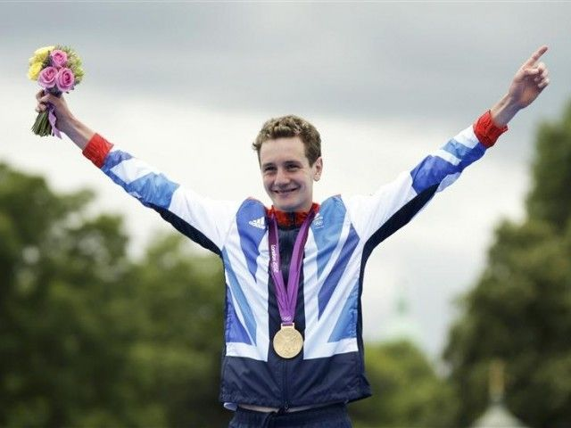 Alistair Brownlee won gold in the triathlon on day 11