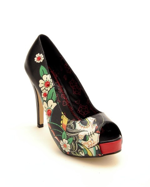 Iron Fist shoes http://media-cache5.pinterest.com/upload/81838918198132889_5eg10rH9_f.jpg 1jessicasaint shoes 3