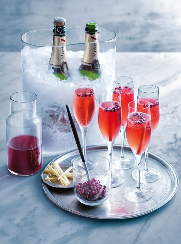 pomegranate and ginger fizz