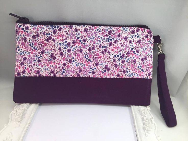 Pochette Tissu Liberty Phoebe violet et coton uni : Sacs à main par fleurs-de-provence