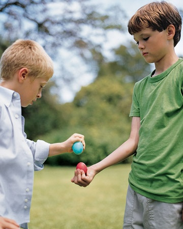 GameEaster Parties, Shells Crack, Kids Crafts, Birthday Games, Easter Games, Martha Stewart, Easter Eggs, Easter Kids, Easter Ideas