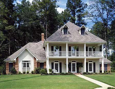 Southern splendor for Southern plantation house