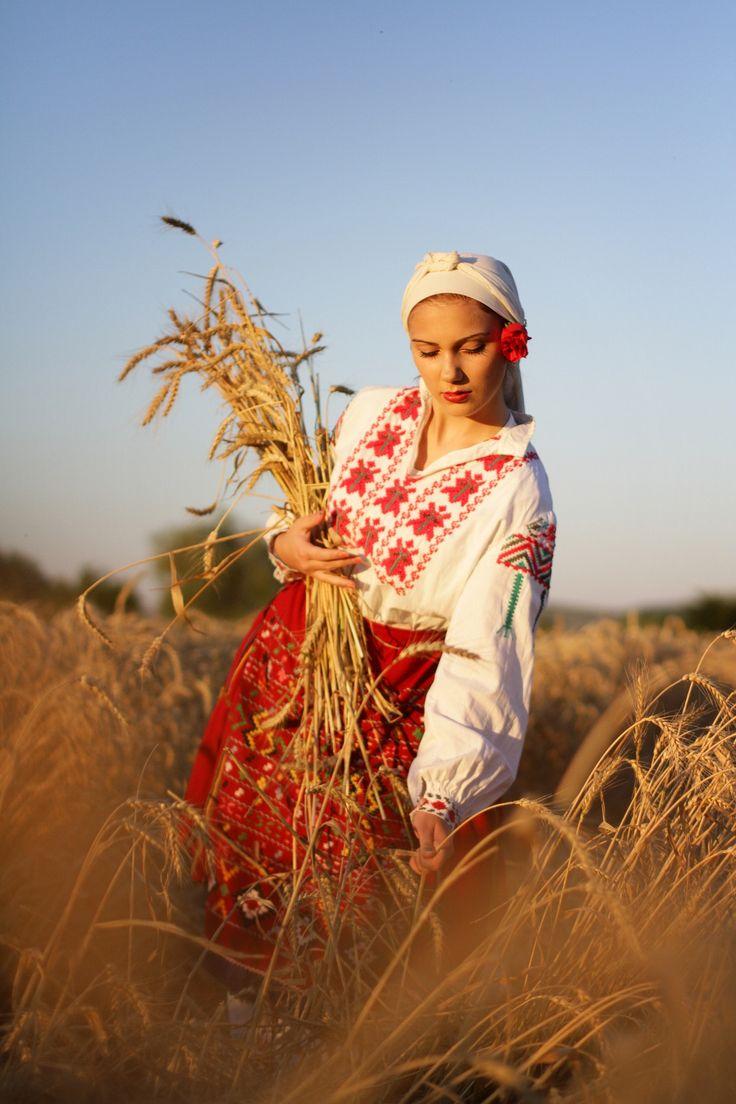 Bulgarian girl by Petya Tabakova on 500px