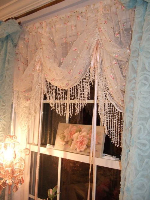 Shabby Chic Decor Pretty Curtains And Art