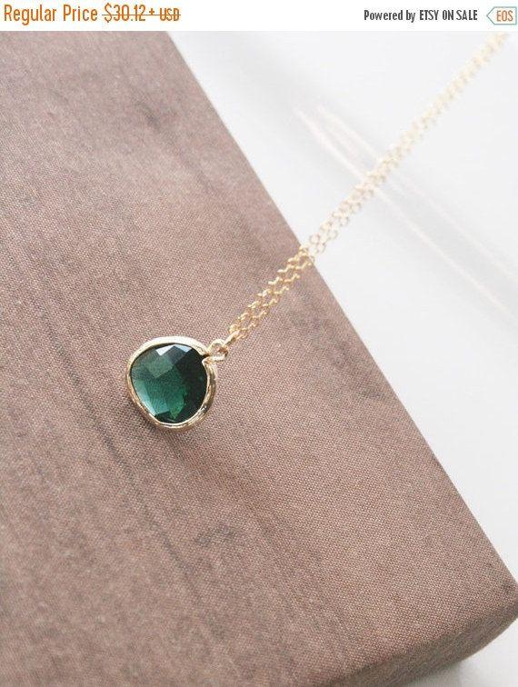 Smaragd Halskette, Gold Kette, Gold Juwelen, helle Kette, Schichtung Collier, zierliche Halskette, delikates Collier, Brautjungfern Geschenk, Braut